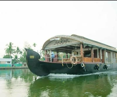 Trident Luxury Houseboat,Alleppey