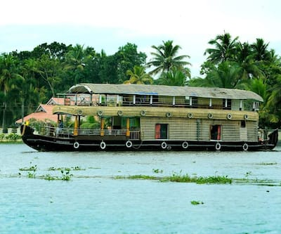 Trident Deluxe Houseboat,Alleppey