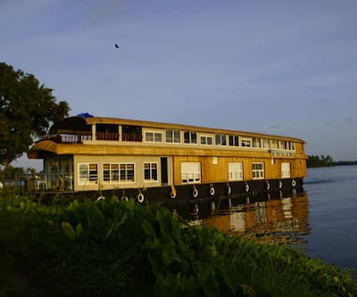 Trident Ultra Luxury Houseboat,Alleppey