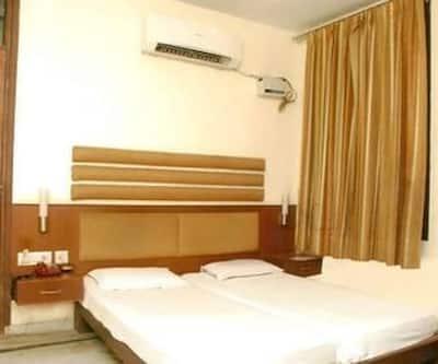 Hotel Alora,Bharatpur