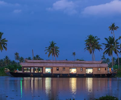 Blue Jelly Cruises,Alleppey