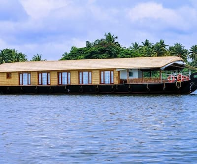 Nanni Luxury Houseboats,Alleppey