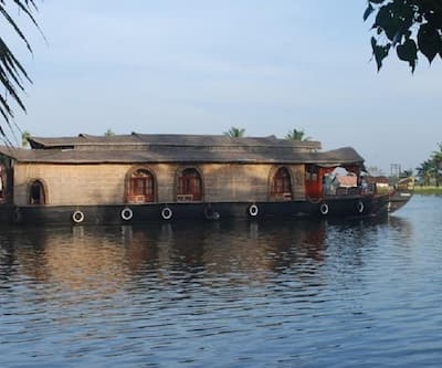 Nanni Honeymoon Houseboats,Alleppey