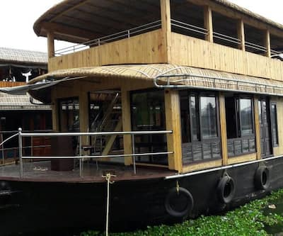 Nanni Deluxe Houseboat,Alleppey