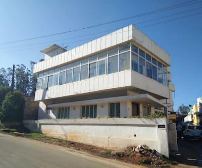Shabinaya Home Stay,Ooty