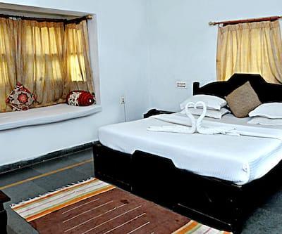 Hotel Unique Garden,Udaipur