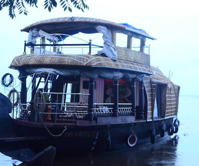 Eco Trails Houseboats,Kumarakom