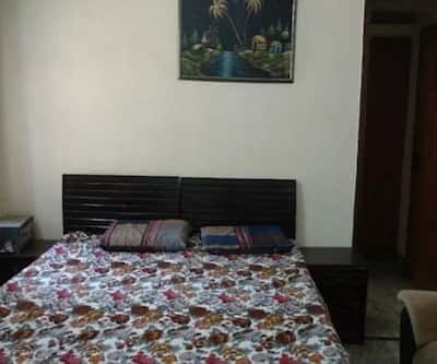Relaxing Rooms in A Guest House,Gurgaon