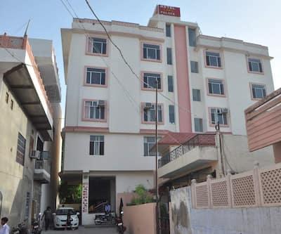 Hotel Lake Palace,Ahmedabad