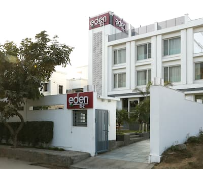 Treebo Tryst Eden Residency South City,Gurgaon