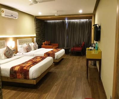 Brentwood Hotel, Mall Road,