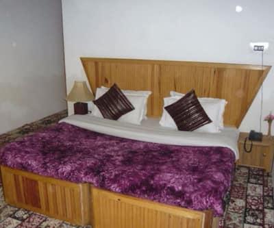Hotel Akbar Inn,Srinagar