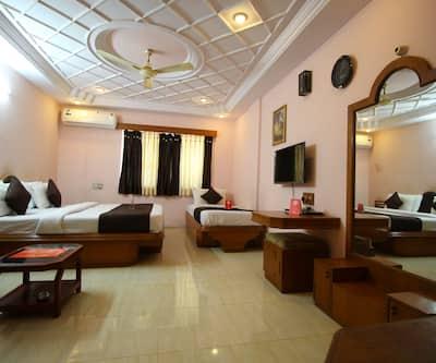 Hotel Upasana,Rajkot