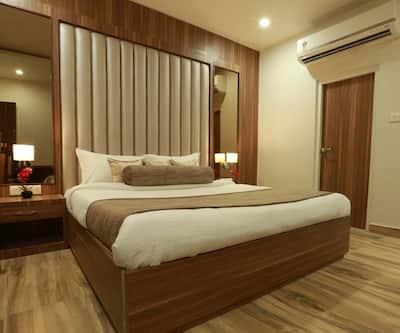 Hotel Royal Palace, Inside Delhi Gate,