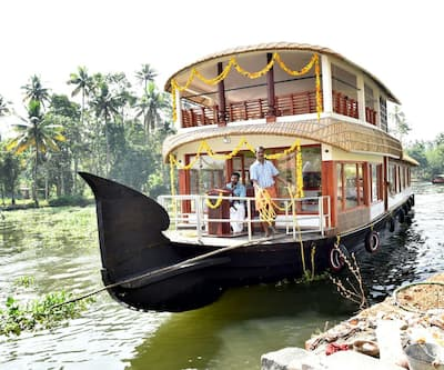Kerala House Bot 2 Bed,Alleppey