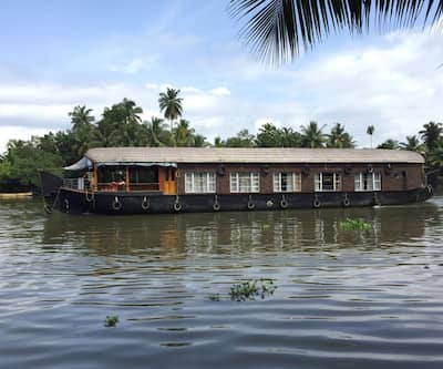 Kerala Tour Holidays Classic 5 Bed,Alleppey