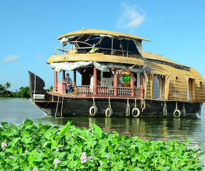 Kerala Tour Holidays River 2 Bed,Alleppey