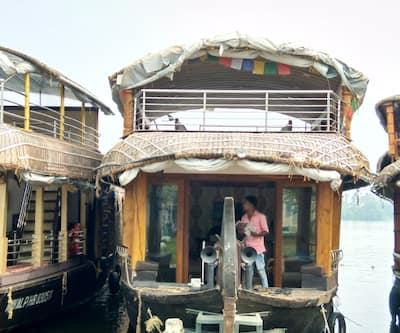 Kerala Vajrha 2 Bed,Alleppey