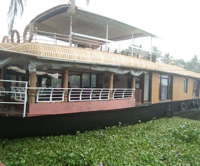 Kerala Tour Holidays 3 Bed Deluxe,Alleppey