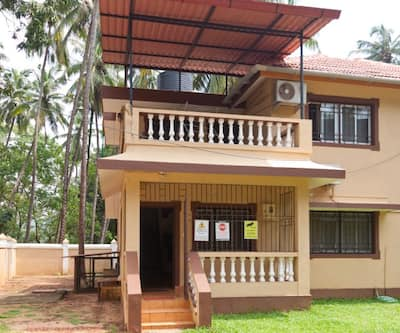 2 BHK villa -- PHASE8 -- 10 min walk to Calangute beach,Goa