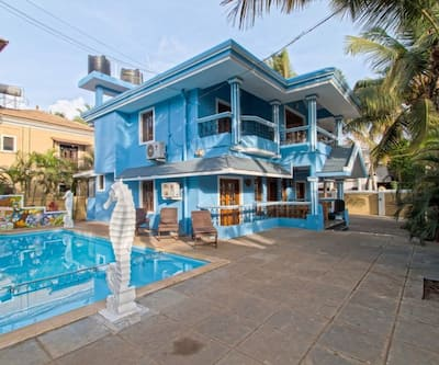 4BHK villa with shared pool 2 min walk to Calangute beach,Goa