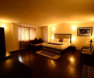 Hotel Aksa,Srinagar
