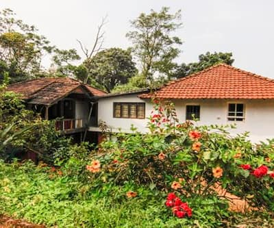 Rustic Wooden Cottage Stay Karada,Coorg