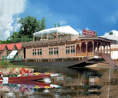 WelcomHeritage Gurkha Houseboats,Srinagar