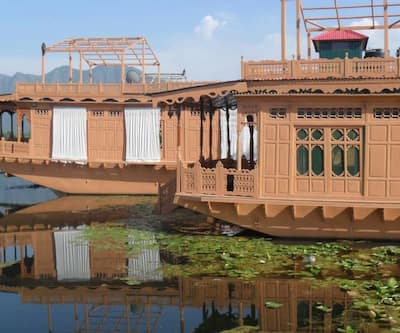 The Jewel in the Crown Houseboat,Srinagar