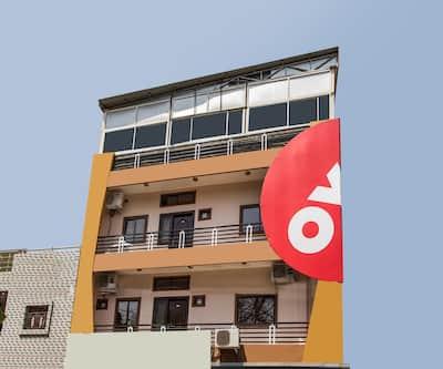 OYO 12161 Hotel Madhur Inn,Indore