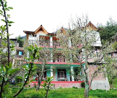 The Apple Field House,Manali