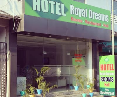 Hotel Royal Dreams, Hussianpura Chowk,