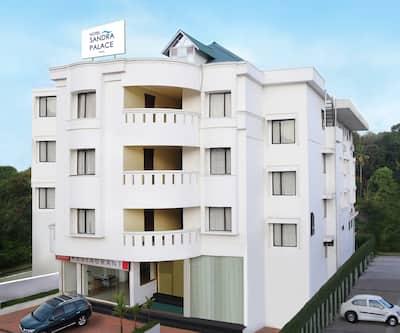 Hotel Sandra Palace,Thekkady