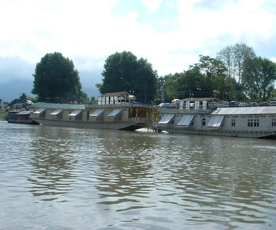 ADB Rooms Kashmir Group of Houseboats,Srinagar