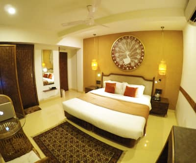 Hotel Accord, Santacruz East,