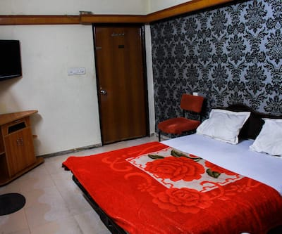 Hotel Pleasure Palace (Near Gangwal Bus Stand), Indore,Indore