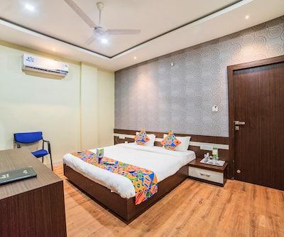 Hotel 7th Cloud Club Bar & Restaurant,Indore