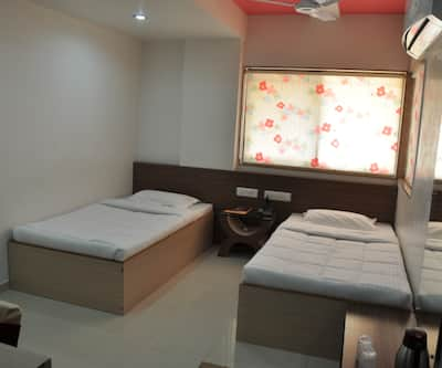 Hotel Silver Sand, Limda Chowk,