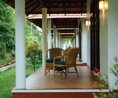 Palmgrove Lake Resort,Alleppey
