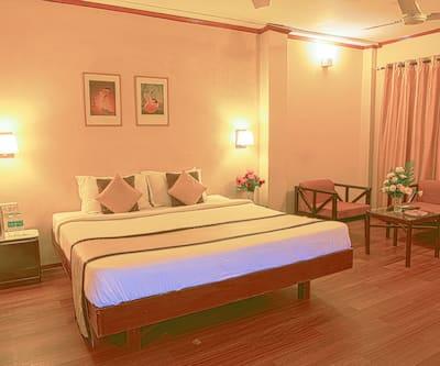 Landmark Hotel, Ulubari,