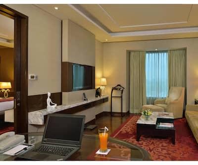 Radisson Blu Hotel Jaipur, Tonk Road,