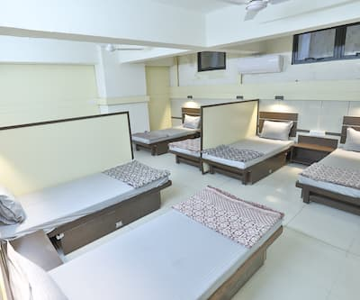 Night-Halt In & Out Dormitory,Ahmedabad