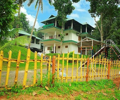 Avondale Luxury Cottages,Munnar