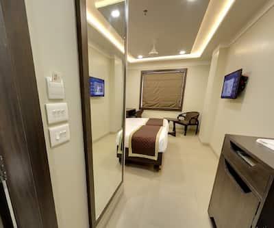Hotel RG Inn, Vaishali Nagar,