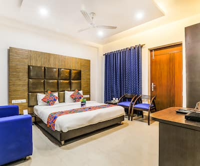 FabHotel The Residency DLF Galleria,Gurgaon