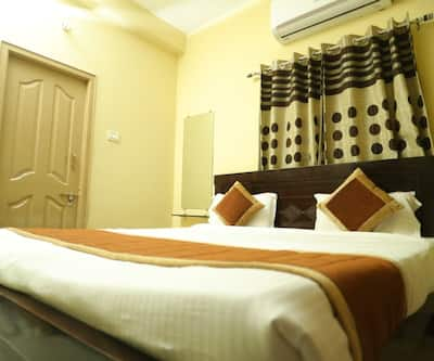 Nirmal Villa Golden Service Apartment,Vijayawada
