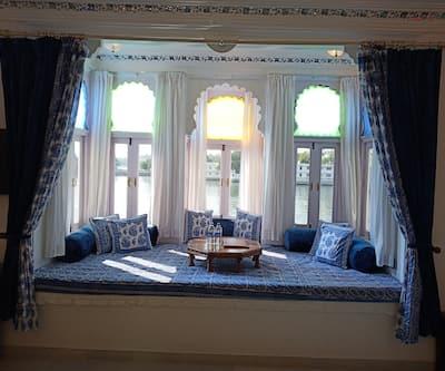 Jagat Niwas Palace Hotel, Lake Pichola,