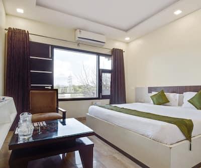 Treebo Shashank Villa,Chandigarh