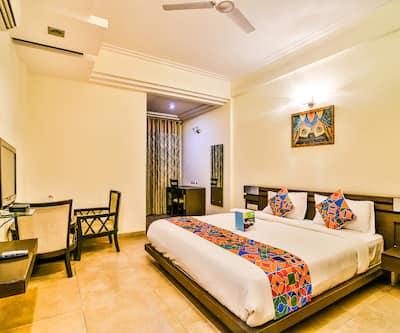 Hotel Oasis,Gurgaon