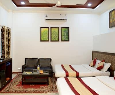 Hotel Abu Grand, Nakki lake,